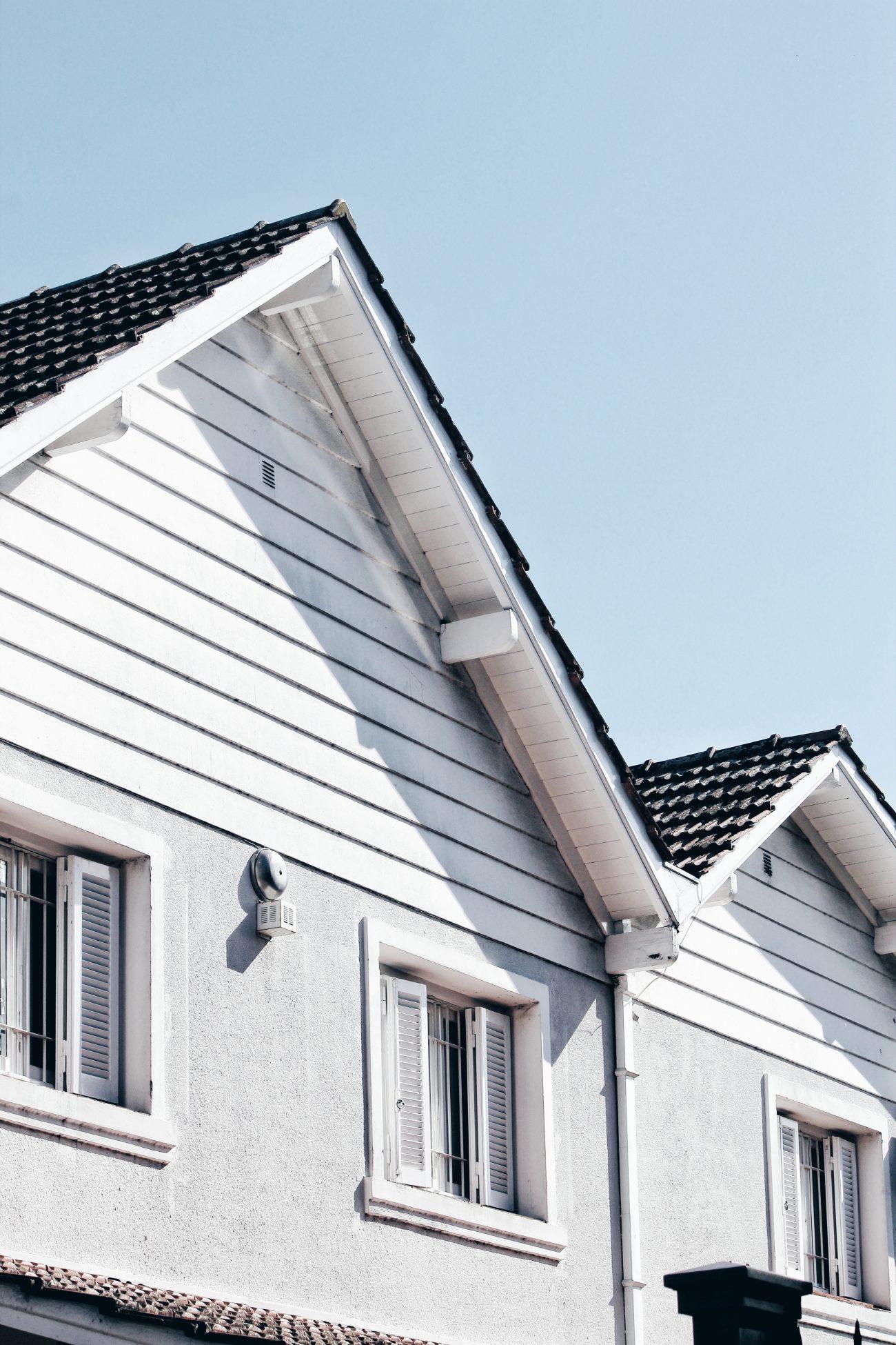 Wybuduj dom alternatywnie – podstaw na drewniane domy