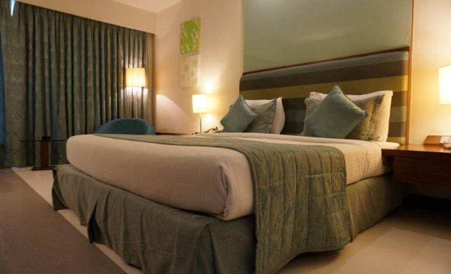 Dlaczego coraz chętniej wybieramy łóżka tapicerowane?