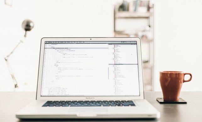 Czy tworząc firmową stronę www warto informować o cenach produktów i usług?